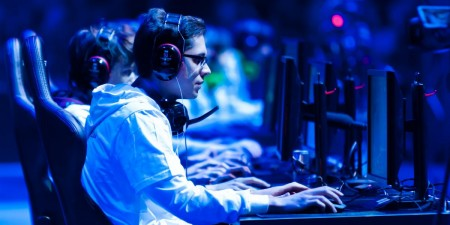 Virtual Reality will Make 2016 the Year of E-Sports