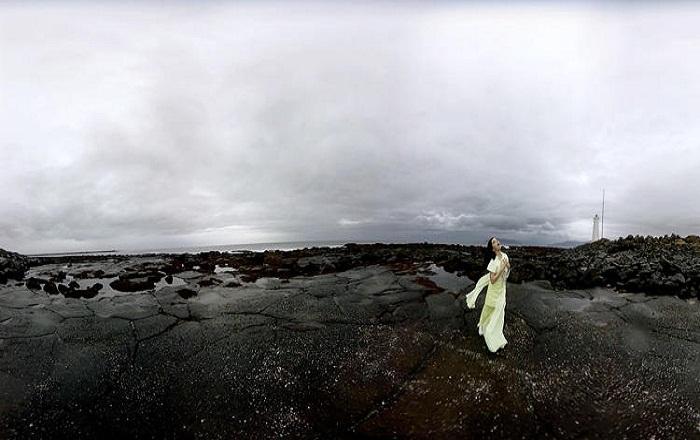 Björk's famous Music Album 'Vulnicura' now in VR