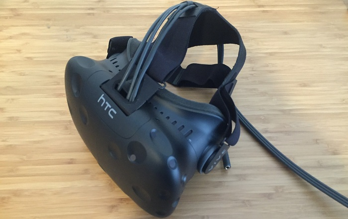 Now you can Make Calls and Send Texts in VR with HTC Vive