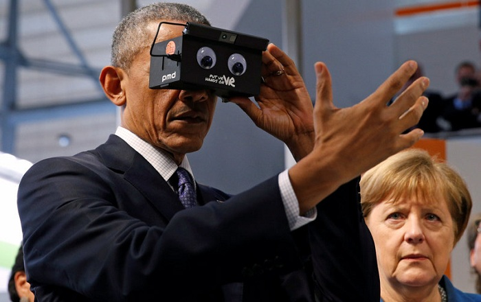 Look Who is Enjoying a Sneak peek into Virtual Reality