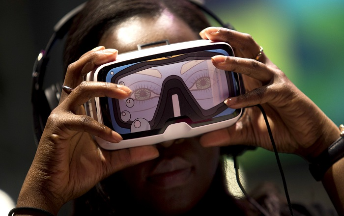 Google I/O 2016: New VR Headset and Future of the Cardboard