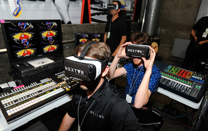 The Wave lets the DJs Show off their Skills in Virtual Reality